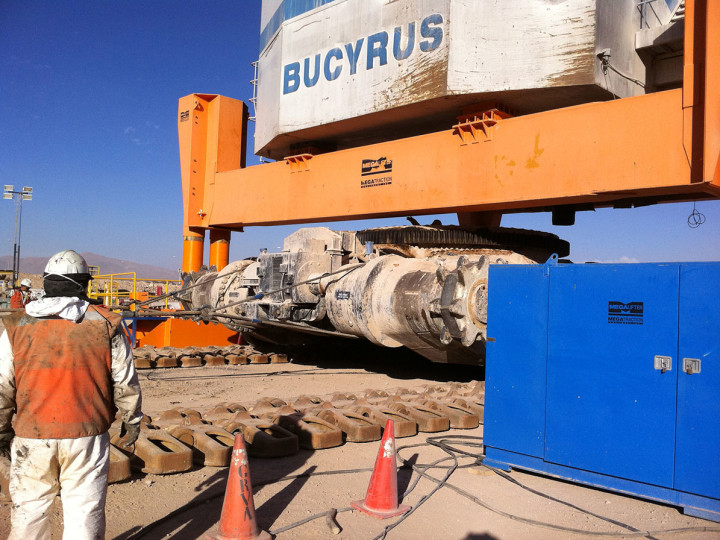 Rolling out the car body on a Bucyrus shovel.